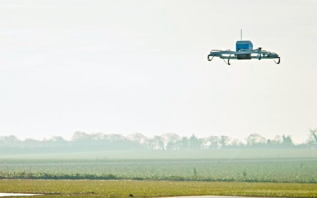 """亚马逊集群无人机专利曝光:用小飞机组成""""空中巨轮""""来运货"""